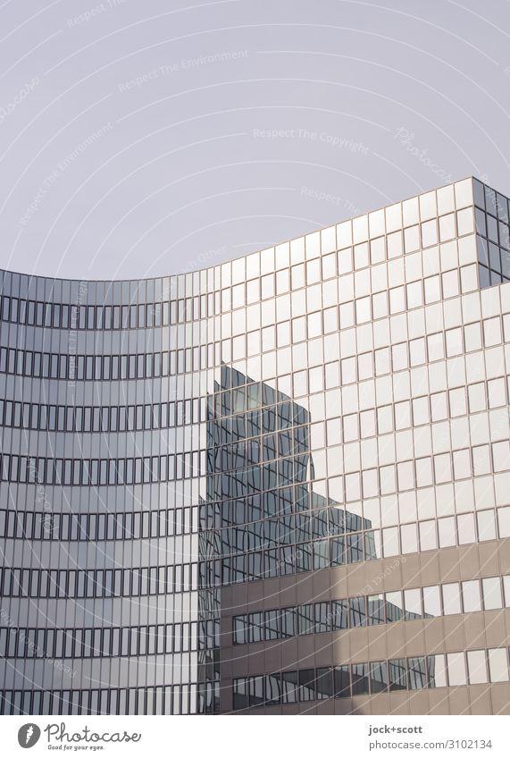 Glasfassade: Zeit der Reflektion Schönes Wetter Berlin-Tempelhof Hochhaus Architektur Bürogebäude Fassade eckig hoch neu Stadt viele Stimmung Schutz standhaft