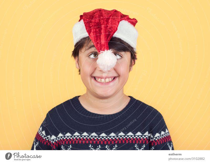 lustig Kind trägt Weihnachten Weihnachtsmann Hut Freude Winter Feste & Feiern Weihnachten & Advent Silvester u. Neujahr Mensch maskulin Kindheit 1 8-13 Jahre
