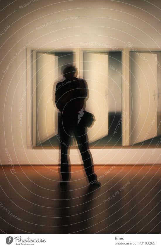 Bildergeist | unscharf maskulin Mann Erwachsene 1 Mensch Kunst Ausstellung Museum Kunstwerk Fotokamera Fotografieren Spiegel Spiegelbild Tür Parkett stehen
