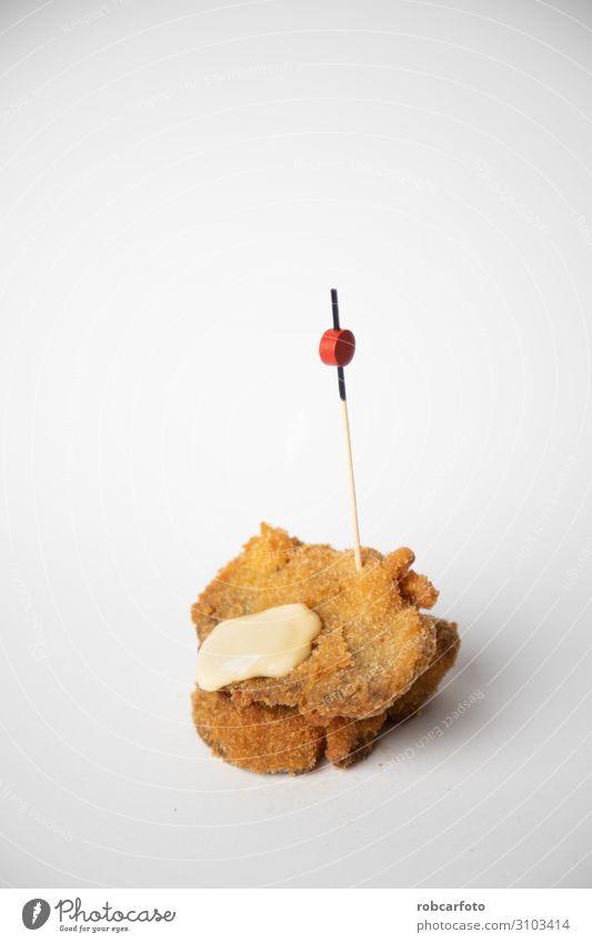 Spanische Tapa mit paniertem Pilz und Aioli Abendessen Tradition Amuse-Gueule Lebensmittel Snack Feinschmecker Spanien Paprika Speise Auflaufform