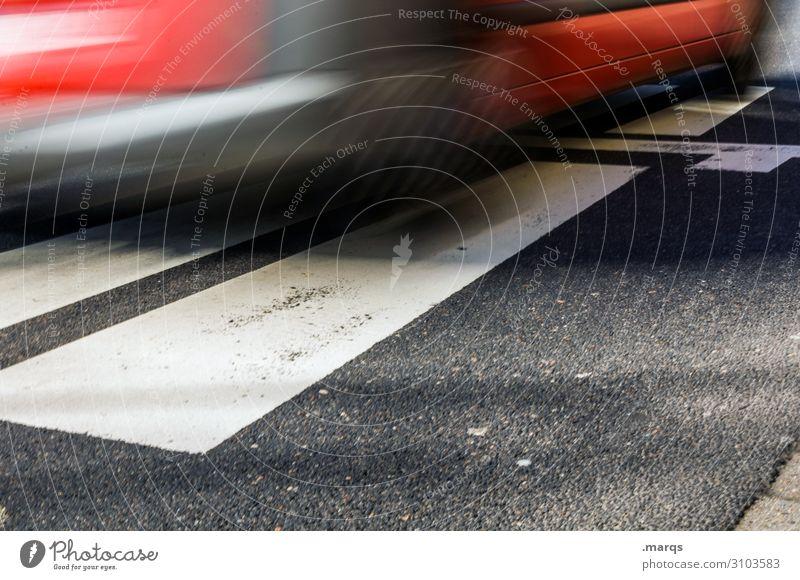 Autobahnzubringer Ferien & Urlaub & Reisen Verkehr Verkehrsmittel Verkehrswege Berufsverkehr Straßenverkehr Autofahren Fahrzeug PKW rennen Geschwindigkeit rot