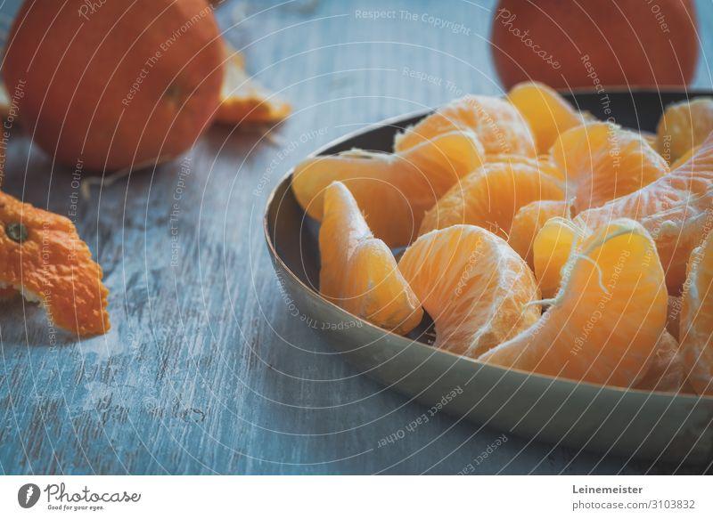 Mandarinen Lebensmittel Frucht Orange Ernährung Essen Diät Schalen & Schüsseln genießen blau Zitrusfrüchte Wurstpelle Tischplatte Gesundheit Gesunde Ernährung