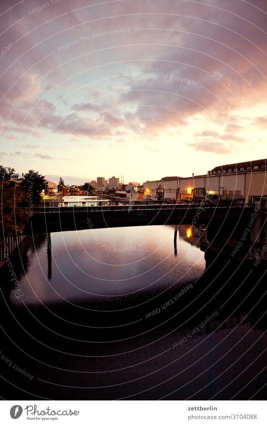 Kanal teltowkanal Berlin Neukölln Wirtschaft Industrie Industriefotografie Lager Versorgung Wasseroberfläche Brücke Güterverkehr & Logistik Abend Feierabend