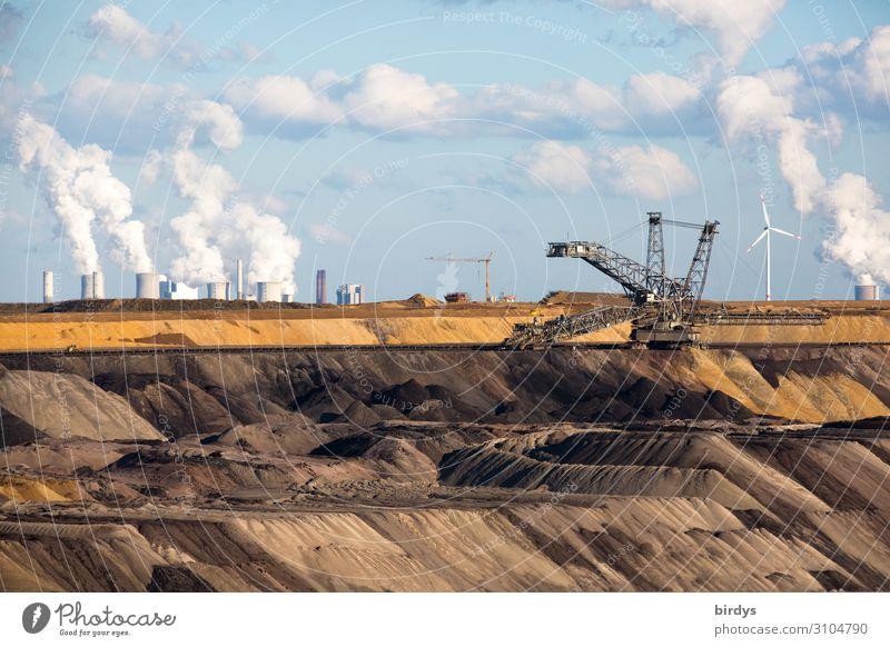 Heimatfresser Energiewirtschaft Windkraftanlage Kohlekraftwerk Himmel Wolken Klimawandel Rauchen authentisch bedrohlich dreckig hässlich trist blau braun grau