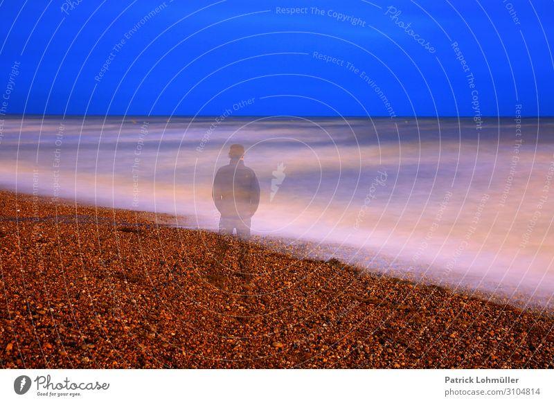 Meeresgeist Mensch Ferien & Urlaub & Reisen Natur Mann Wasser Einsamkeit ruhig Erwachsene Umwelt kalt Küste maskulin Körper Europa 45-60 Jahre