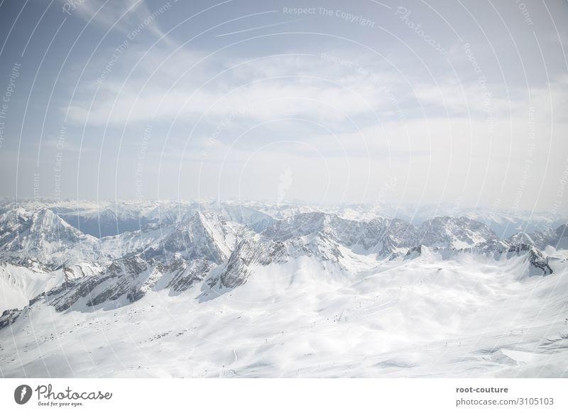 Fantastische Aussicht auf schneebedeckte Berge Himmel Ferien & Urlaub & Reisen Natur Weihnachten & Advent Landschaft Wolken Winter Berge u. Gebirge Schnee Sport