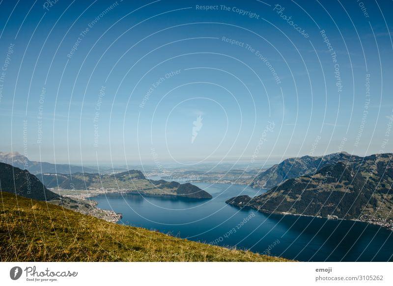 Aussicht vom Niederbauen auf den Vierwaldstättersee Umwelt Natur Landschaft Himmel Wolkenloser Himmel Sommer Schönes Wetter See natürlich blau Tourismus