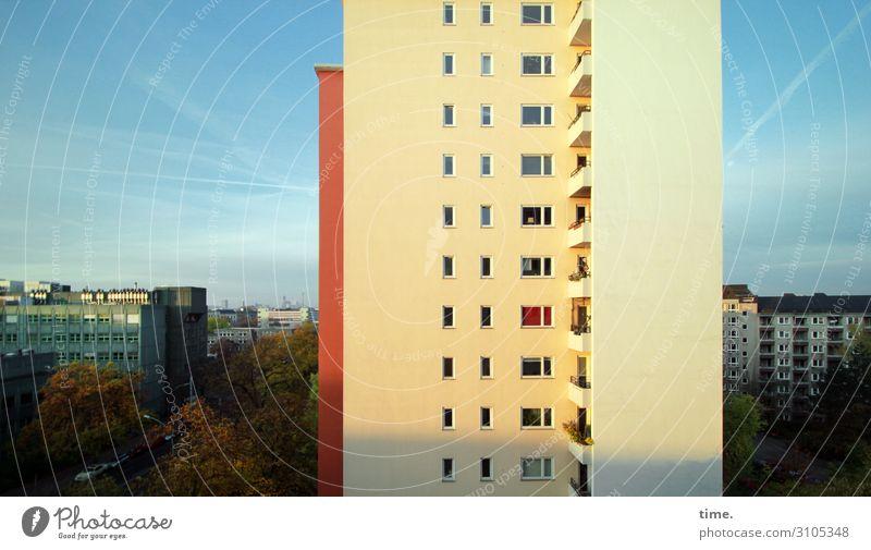 Berliner Morgen (I) Baustelle Himmel Horizont Schönes Wetter Stadt Hauptstadt Stadtzentrum Skyline Haus Hochhaus Bauwerk Architektur Mauer Wand Balkon Fenster