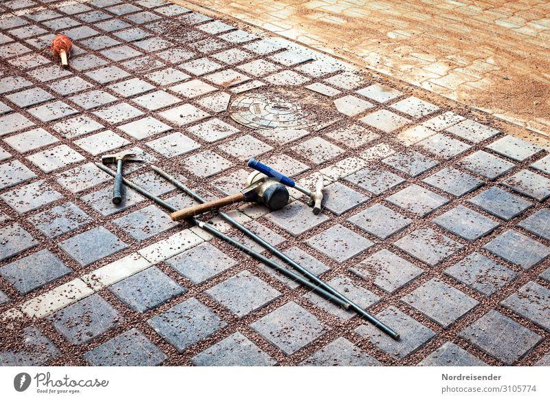 Werkzeug Arbeit & Erwerbstätigkeit Beruf Handwerker Arbeitsplatz Baustelle Dienstleistungsgewerbe Feierabend Hammer Verkehrswege Straße Wege & Pfade Sand Beton