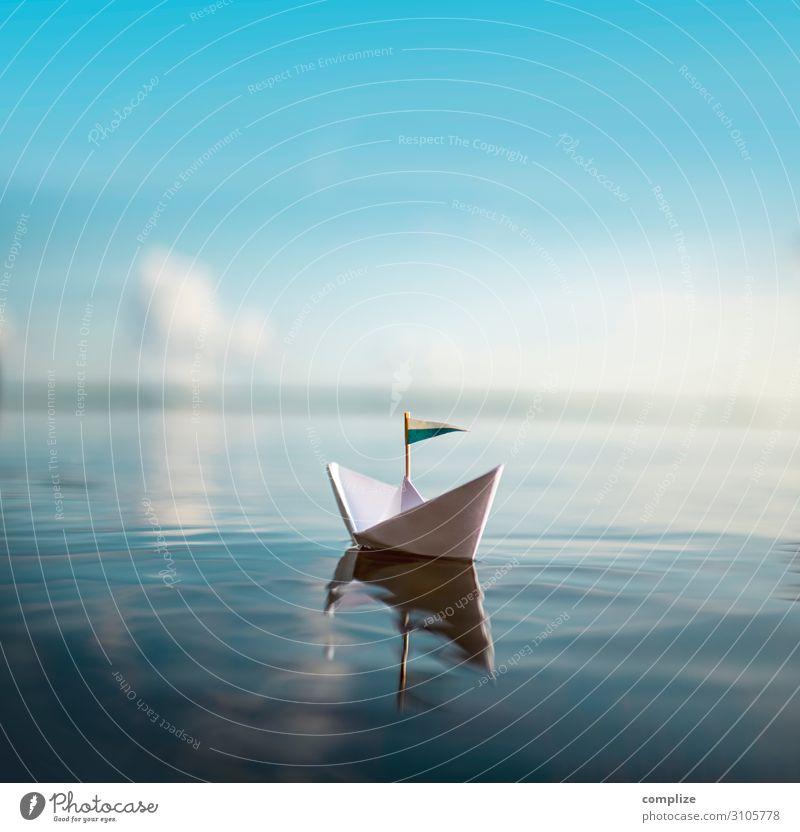 Sail away with me | Papierschiff auf ruhigem Wasser Gesundheit Wellness Erholung Spielen Ferien & Urlaub & Reisen Sommer Sommerurlaub Sonne Strand Meer