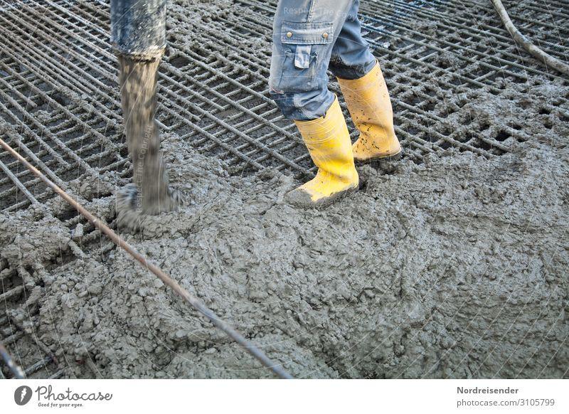 Betonieren mit Betonpumpe Arbeit & Erwerbstätigkeit Beruf Arbeitsplatz Baustelle Wirtschaft Industrie Werkzeug Maschine Mensch Mann Erwachsene Beine Bauwerk