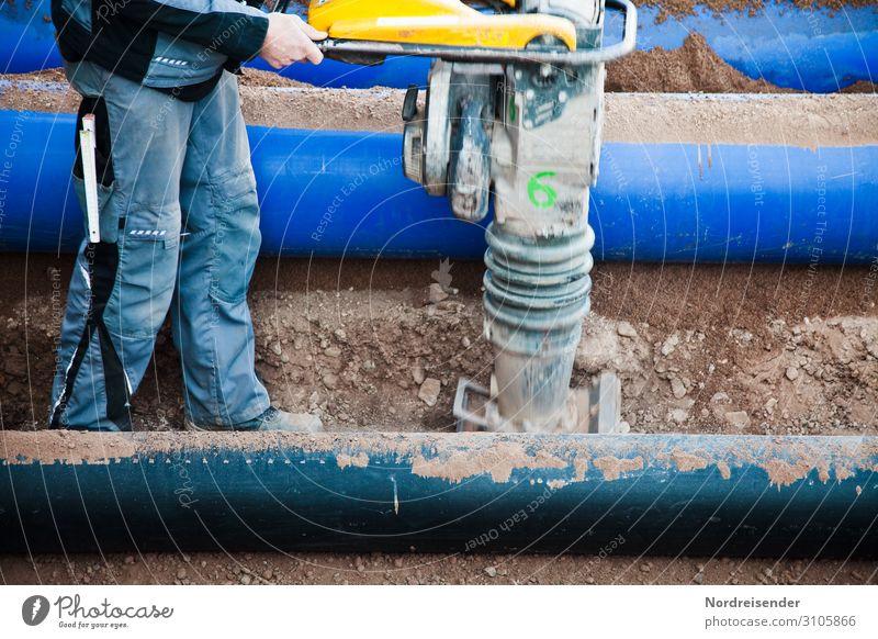 Verdichten von Material im Tiefbau Arbeit & Erwerbstätigkeit Beruf Handwerker Arbeitsplatz Baustelle Wirtschaft Industrie Güterverkehr & Logistik Werkzeug