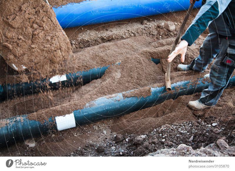 Verlegen von Rohrleitungen im Tiefbau Arbeit & Erwerbstätigkeit Beruf Handwerker Arbeitsplatz Baustelle Wirtschaft Güterverkehr & Logistik Energiewirtschaft