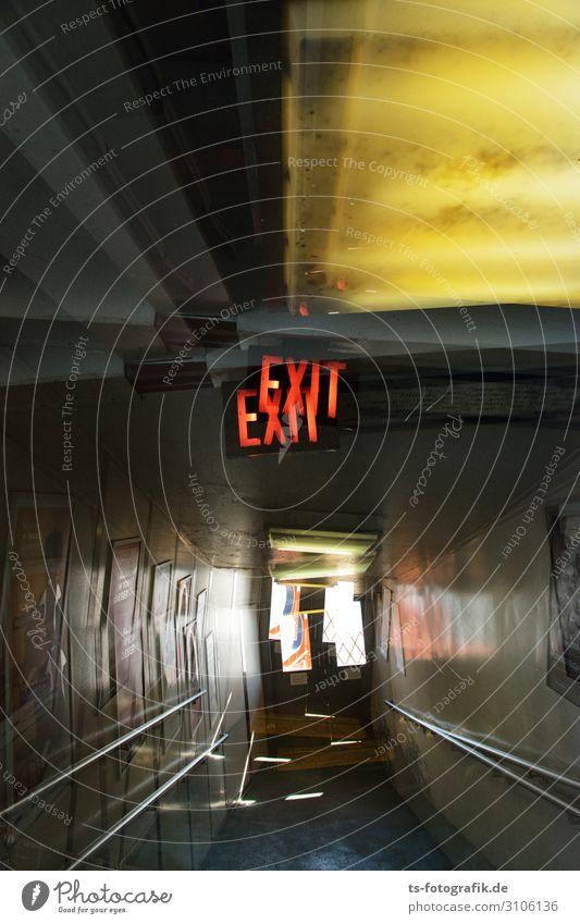 Last Exit Technik & Technologie Treppe Gang Flur Schifffahrt Passagierschiff Wasserfahrzeug Zeichen Schriftzeichen Hinweisschild Warnschild Ausgang bedrohlich