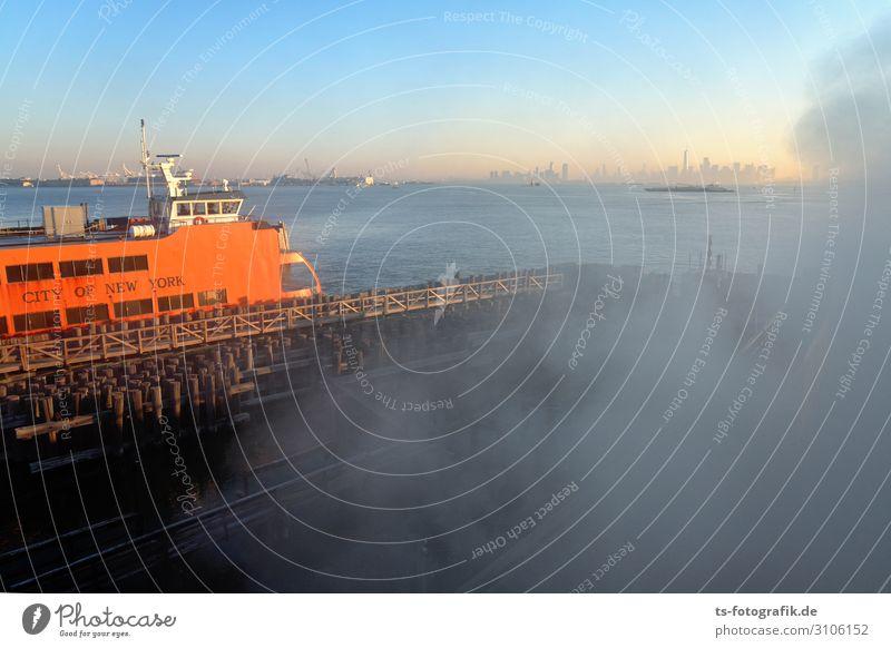 Foggy Staten Island Ferry, New York Ferien & Urlaub & Reisen Städtereise New York City Staten Island Ferry Terminal Hafenstadt Skyline Menschenleer