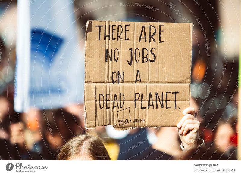 There are no jobs on a dead plante Kind Hintergrundbild Frieden Student Generation Desaster Planet Demonstration global