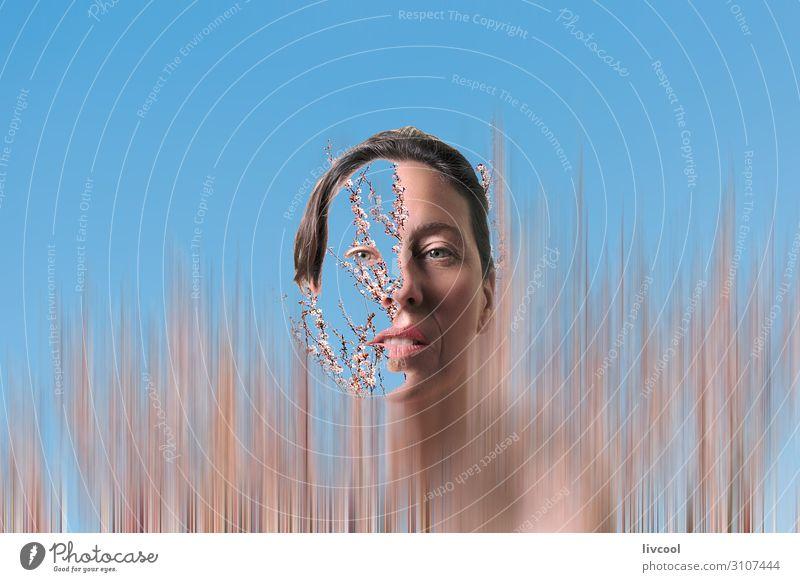 Frau Mensch Natur Pflanze blau schön Blume Erholung Gesicht Auge Lifestyle Erwachsene Blüte feminin Garten außergewöhnlich