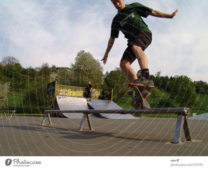 Skater @ Work  4 Skateboarding Kickflip Luft springen Park Sport Oli Rail danger