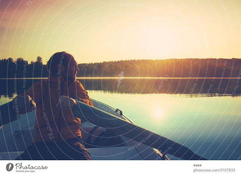 Treibende Kraft Mensch Ferien & Urlaub & Reisen Natur Mann Sommer Junger Mann Landschaft Sonne Erwachsene Umwelt Freiheit See Ausflug Abenteuer Romantik Klima