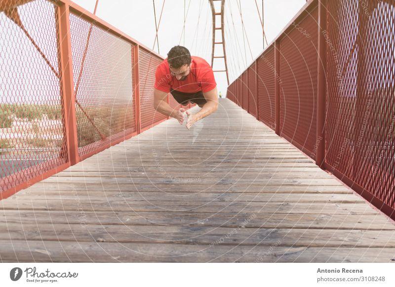 Mensch Mann rot Erwachsene Sport springen Fitness Brücke anstrengen muskulös Muskulatur Applaus Fußgänger Vollbart