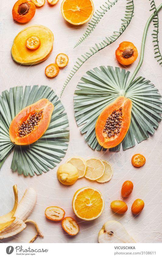 Exotische Früchte mit tropischen Blättern Lebensmittel Frucht Ernährung kaufen Design Gesunde Ernährung trendy Papaya Hintergrundbild Mango Banane Zitrusfrüchte
