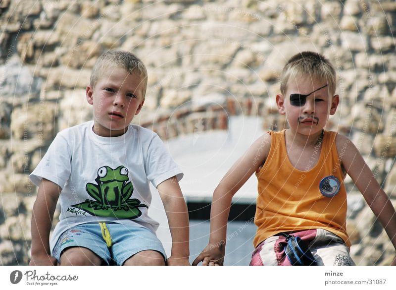 freunde Junge Spielen Freundschaft Abenteuer Kind