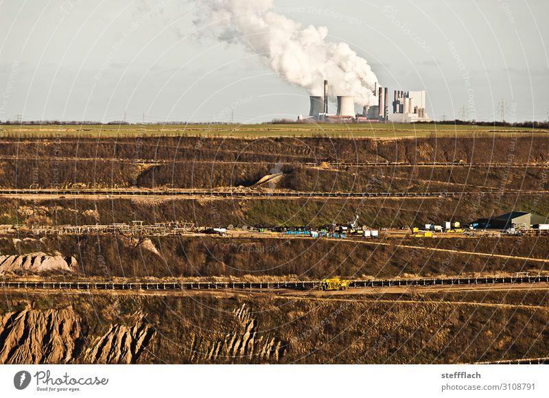 Am Rande des Abgrund Fabrik Energiewirtschaft Erneuerbare Energie Landschaft Erde Wolkenloser Himmel Feld Schlucht Garzweiler Braunkohlentagebau kaputt trist
