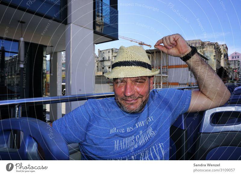 Tourist in Havanna Sightseeing Städtereise maskulin Mann Erwachsene 1 Mensch 45-60 Jahre Kuba Mode T-Shirt Hut Bart Ferien & Urlaub & Reisen außergewöhnlich