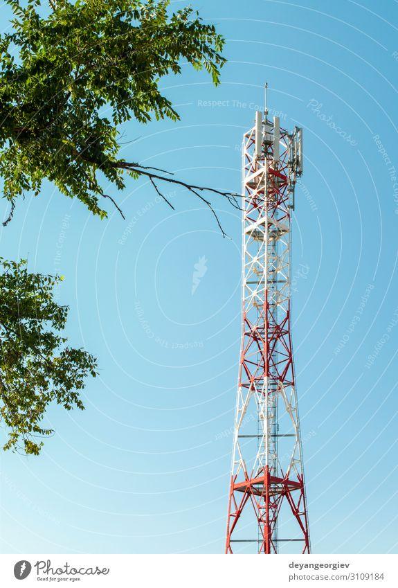 5G-Antenne für die schnelle Internetverteilung. Industrie Telekommunikation Telefon Handy Technik & Technologie Himmel Fluggerät Linie grün 5g 4G Netzwerk