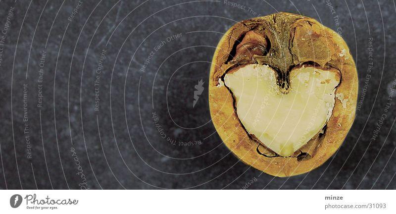 nussig1 Nuss Wunsch Glückwünsche Herz Schalen & Schüsseln Charakter Strukturen & Formen Innenaufnahme Innerhalb (Position)