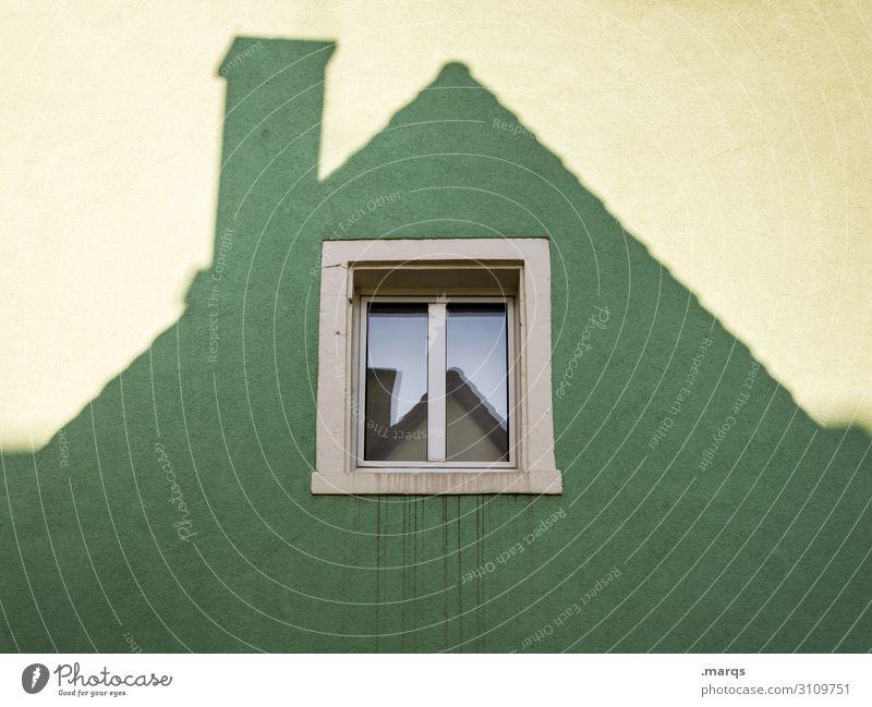 Dachfenster grün Fenster Architektur Wand Mauer außergewöhnlich Häusliches Leben Perspektive Schornstein