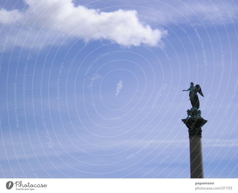 angel in the clouds Wolken Statue Säule Engel Himmel blau