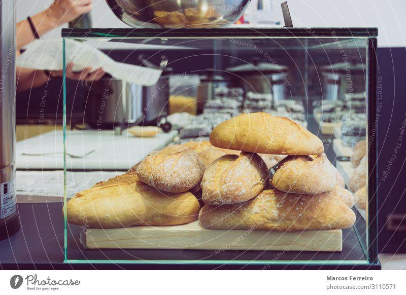 Brot im Snackladen und bei der Arbeit. Lebensmittel Dessert Ernährung Mittagessen Lifestyle kaufen schön Restaurant Arbeit & Erwerbstätigkeit Business Mensch
