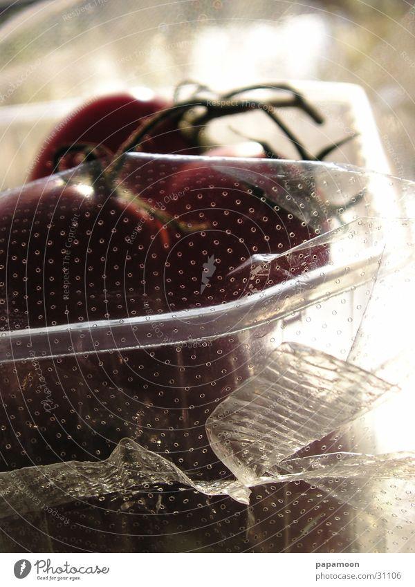 tomatos for sale Verpackung Folie rot Nachtschattengewächse Gegenlicht Gesundheit Tomate Schalen & Schüsseln Gemüse Reflexion & Spiegelung