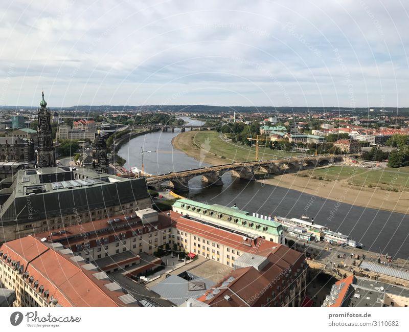 Dresden: Blick von der Frauenkirche auf Augustbrücke und Elbe Ferien & Urlaub & Reisen Tourismus Ausflug Sightseeing Städtereise Stadt Altstadt Haus