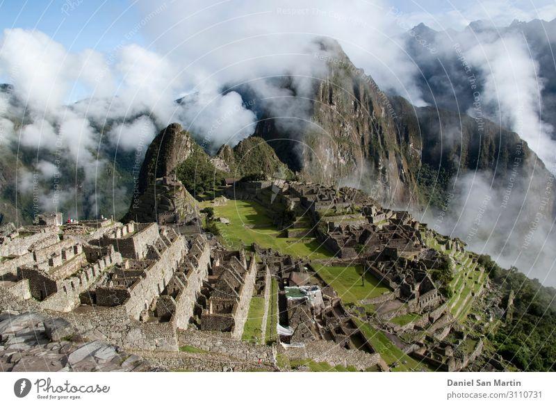 Machu Picchu, ein peruanisches historisches Heiligtum Ferien & Urlaub & Reisen Tourismus Berge u. Gebirge Kultur Natur Landschaft Erde Wolken Nebel Wald Felsen