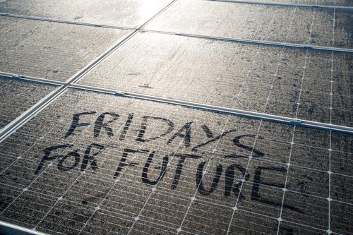 Fridays for future Fortschritt Zukunft Energiewirtschaft Erneuerbare Energie Sonnenenergie Energiekrise Angst Endzeitstimmung Entschlossenheit Erfolg