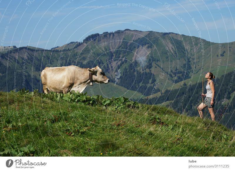 Gespräche Zufriedenheit Landwirtschaft Forstwirtschaft Junge Frau Jugendliche 1 Mensch Umwelt Natur Landschaft Sommer Schönes Wetter Alpen Berge u. Gebirge
