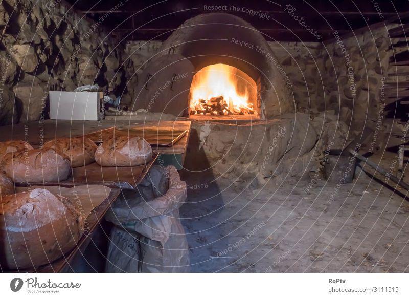 Brotbacken in einem historischen Ofen. Lebensmittel Ernährung Essen Bioprodukte Slowfood Lifestyle Stil Design harmonisch Wohlgefühl Sinnesorgane Erholung