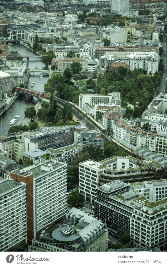 Blick auf Berlin Ferien & Urlaub & Reisen Tourismus Fernsehen Himmel Wolken Fluss Stadt Stadtzentrum Skyline Hochhaus Kirche Brücke Gebäude Architektur Verkehr