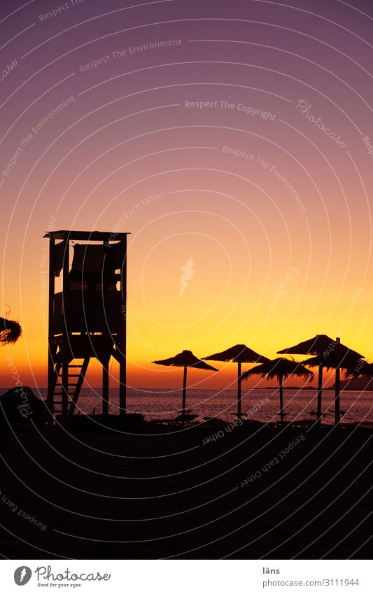 Baywatch Ferien & Urlaub & Reisen Strand Meer Insel Badeurlaub Schönes Wetter Küste Mittelmeer Erholung Erwartung Klima Kreta Sonnenschirm Wachturm Farbfoto