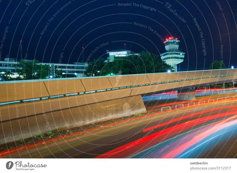 Tower Tegel Abend Bewegung blinkern mehrfarbig dunkel Dynamik Phantasie glänzend Flughafen Kunst Licht Lichtspiel Lichtmalerei Lightshow Linie Märchen Nacht