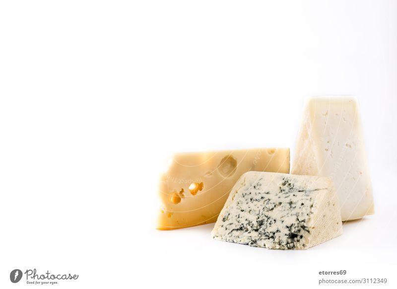 Verschiedene Käsesorten isoliert auf weißem Hintergrund Lebensmittel Gesunde Ernährung Foodfotografie Sortiment Französisch Franzosen Feinschmecker