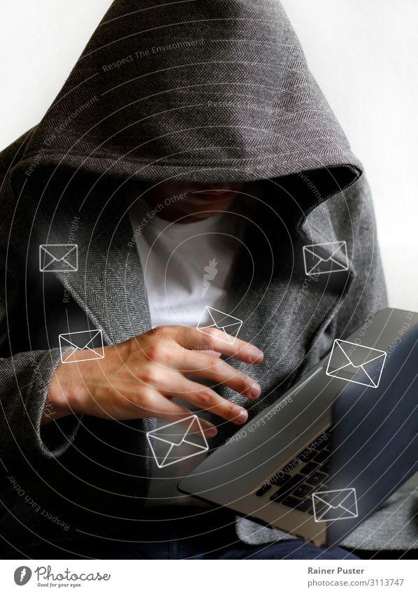 Hacker erhält Zugriff auf E-Mails Büro Wirtschaft Telekommunikation Business Sicherheit Informationstechnologie Computer Notebook maskulin 30-45 Jahre