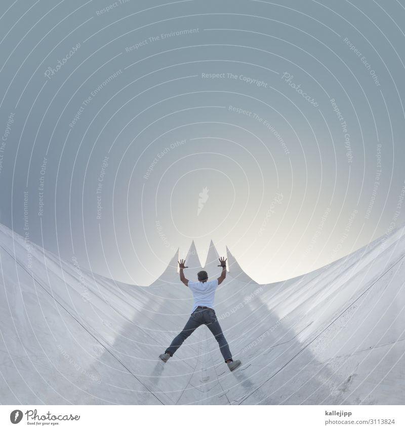 4900_etappenziel Mensch Berge u. Gebirge Architektur Lifestyle Religion & Glaube Gebäude wandern maskulin Körper Wachstum Erfolg Perspektive Gipfel planen Dach