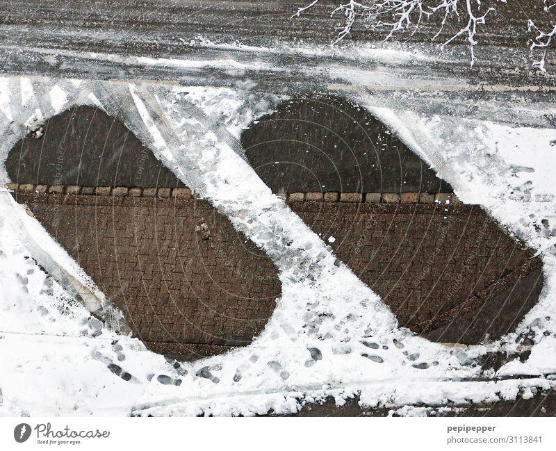 schneefreie Parkplätze Winter Schnee Häusliches Leben Erde Klima Wetter schlechtes Wetter Eis Frost Stadt Stadtzentrum Verkehr Verkehrswege Personenverkehr