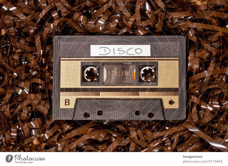Musikkassette 80iger Disko Hardware Tonband Bandsalat Technik & Technologie Sammlerstück Kunststoff Design einzigartig Vergangenheit Vergänglichkeit
