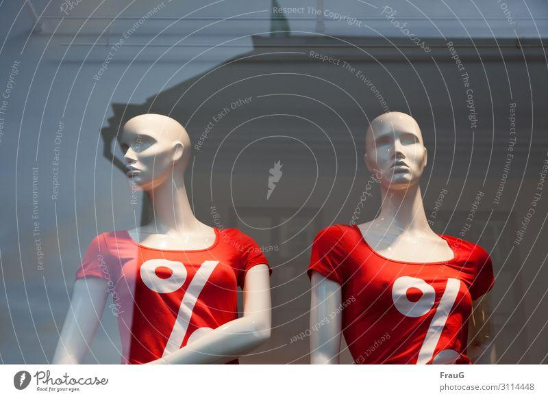 Black friday... kaufen feminin Junge Frau Jugendliche Erwachsene T-Shirt Glatze Schaufensterpuppe Zeichen Prozentzeichen rot Handel Reflexion & Spiegelung