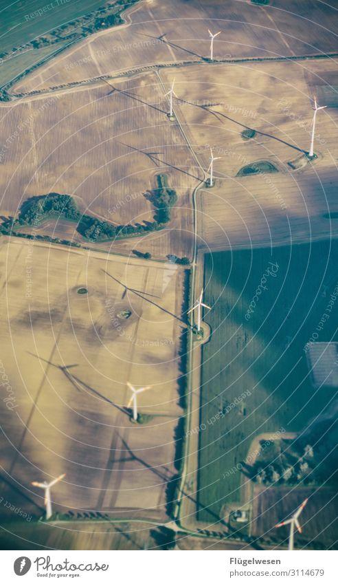 Energiewende grün Feld Zukunft Flügel Elektrizität Flugzeug Tragfläche Windkraftanlage Windrad Erneuerbare Energie regenerativ produzieren