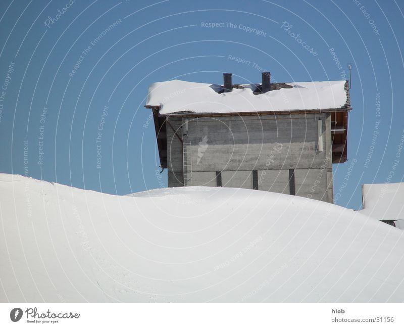 Schneehuus alt Winter Haus Schnee Berge u. Gebirge Holz Architektur authentisch